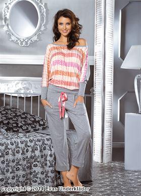 Pyjamas med stickat mönster