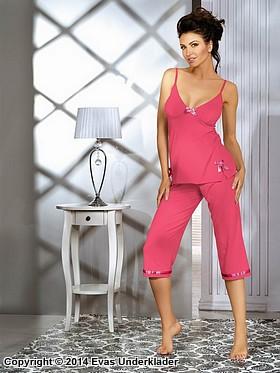 Söt pyjamas med rosetter