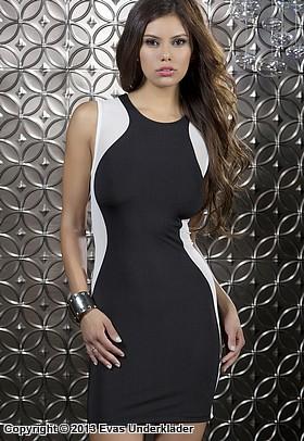 Figursmickrande klänning med transparenta sidor