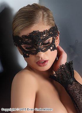 Förföriskt vacker maskeradmask i broderad spets